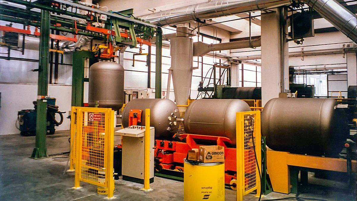 Hydraulic test for underground tanks