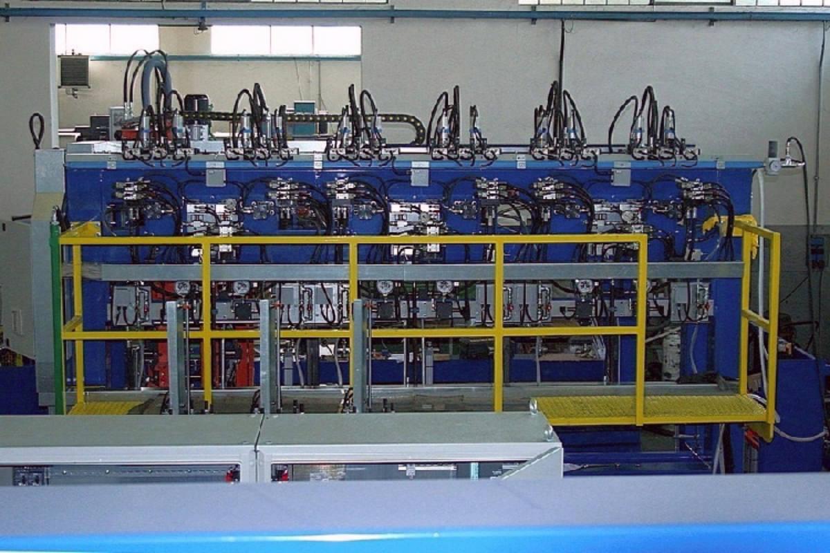 gas cylinders hydraulic testing