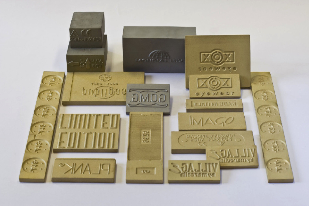 Customizable steel stamps