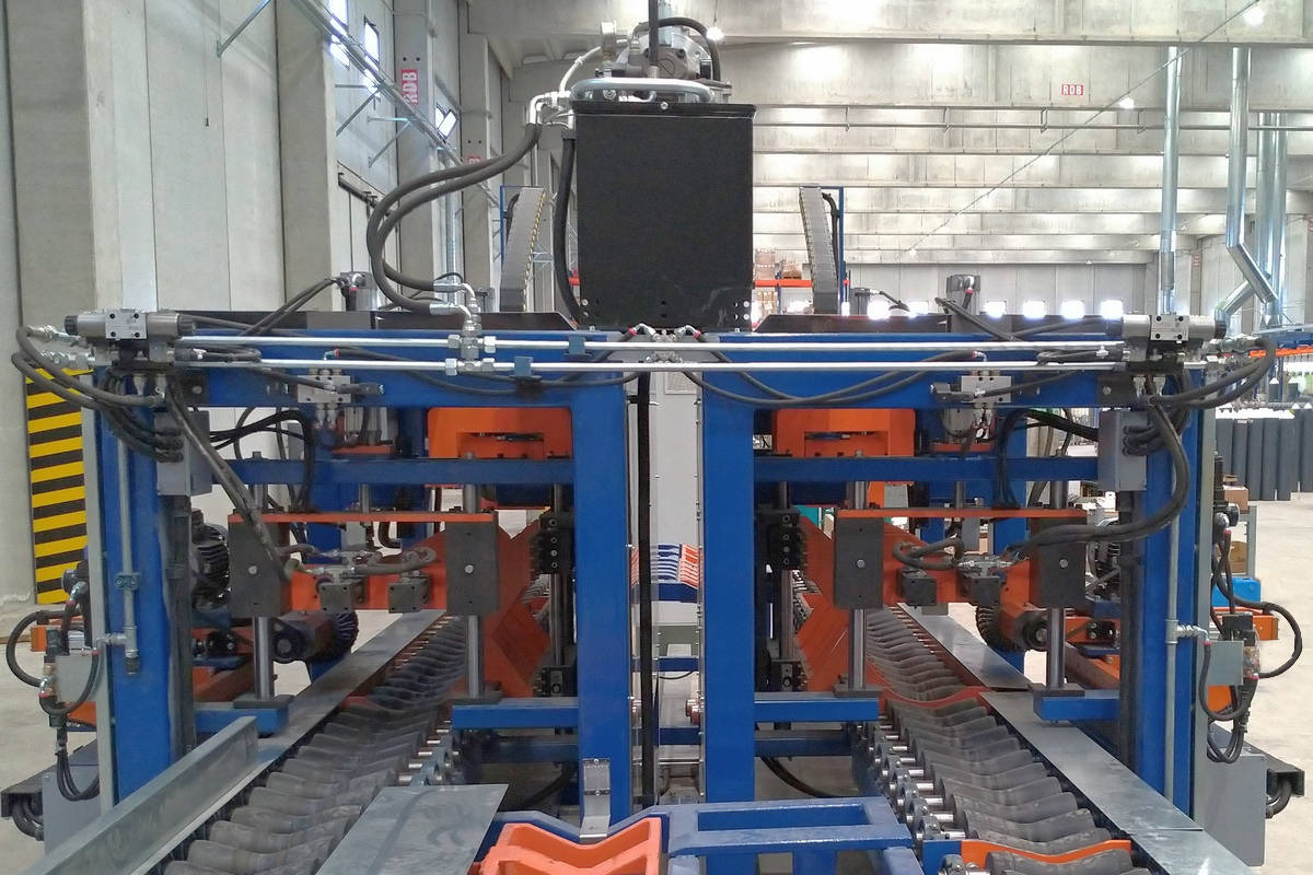 Brushing machines line for cylinders